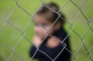 Menschenhandel Kinderhandel Gitter