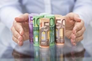 EU Haushalt Hände Banknoten