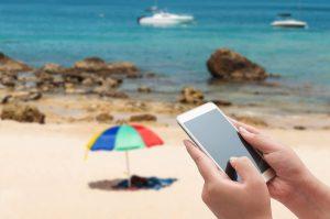 datenroaming-eu-smartphone-strand